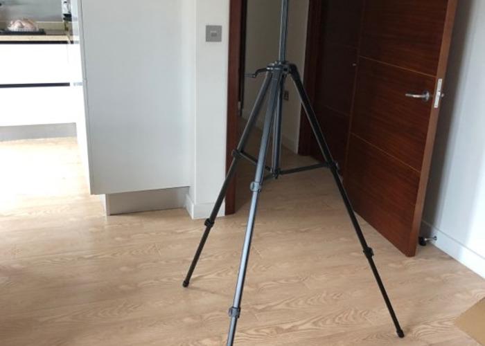 Velbon EF-61 Camera Tripod (57cm-156cm) - 2