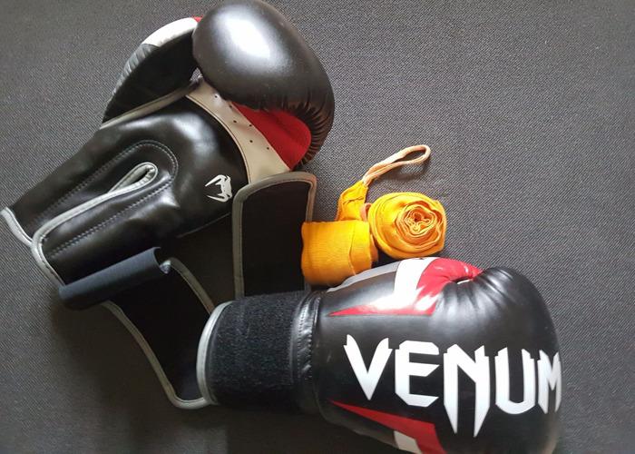 Venum Boxing Glove s 16oz - 1