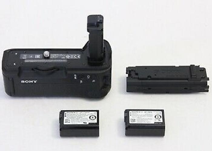 Vertical Grip for α7R II, α7S II, α7 II | VG-C2EM - 1