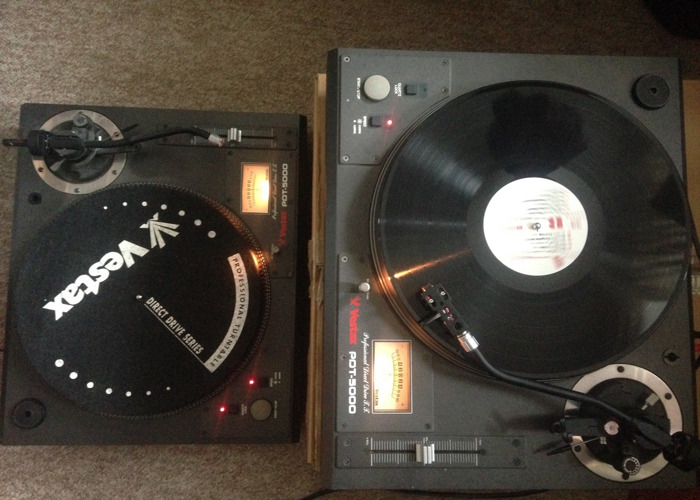 Vestax PDT 500 Turntables X2 - 1