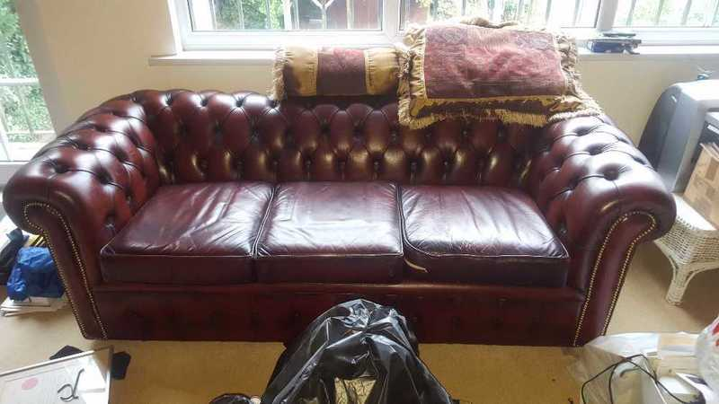 Awe Inspiring Rent Vintage 1990S Chesterfield 3 Person Sofa For Rental In London Dailytribune Chair Design For Home Dailytribuneorg