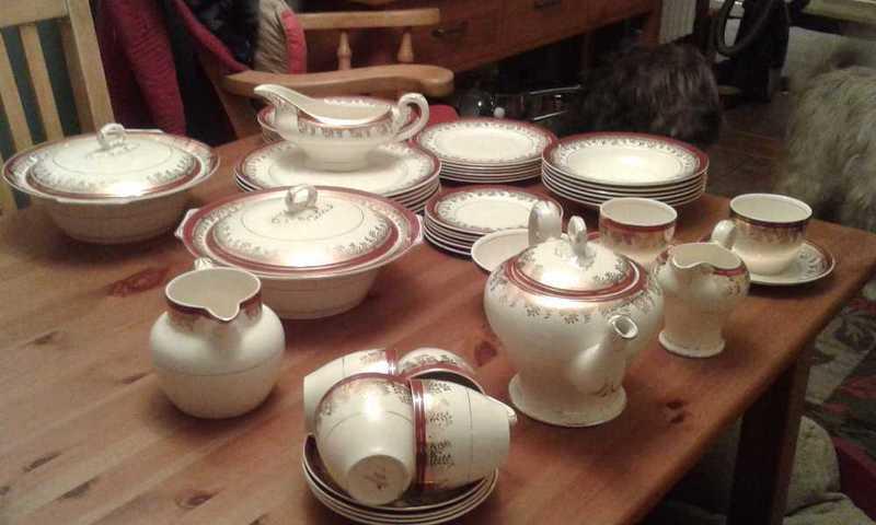 Vintage Dinner/Tea service - 1