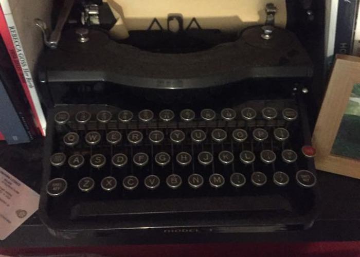 Vintage typewriter - 1