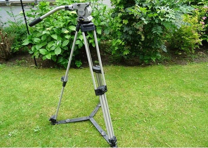 Vinten Vision 5 LF Professional Tripod Kit - 1