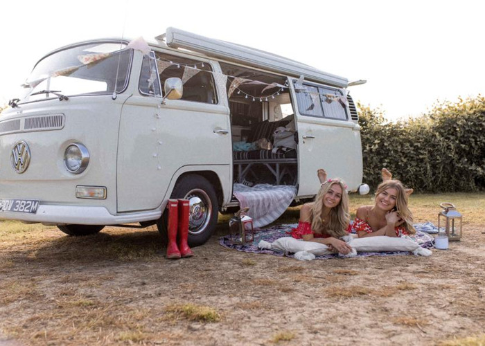 Misty - VW Classic 1973 Campervan for hire - 2