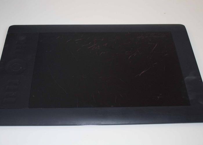 Wacom Pen Tablet Intuos 5 M PTK-650 - 1