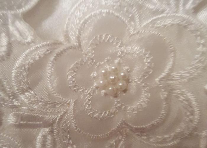 White lace wedding dress - 1