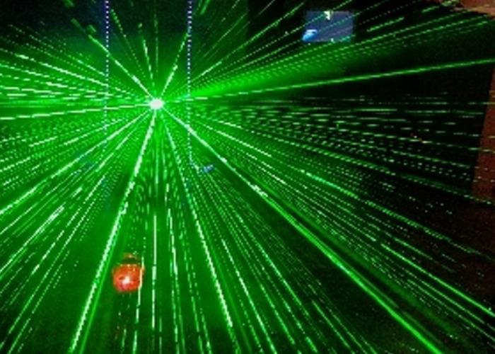 Wireless laser and smoke machine - 1