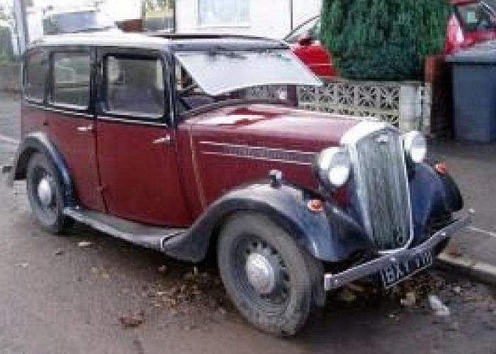 Wolseley Saloon (1946) - 1