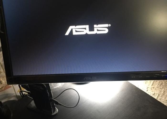 X2 computer screens  - 2