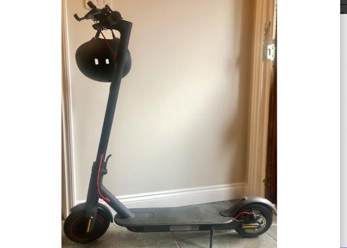 Xioami 365 Pro Electric Scooter - Black - 1