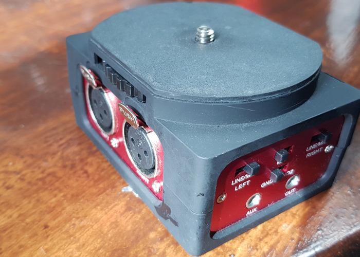XLR breakout box for DSLR plus XLR cable - 1