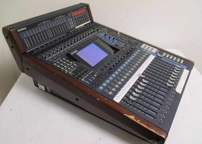 Yamaha DM1000 16ch Digital Mixer - 1