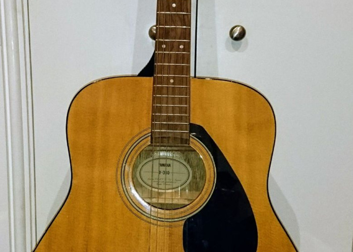 Rent Yamaha F310 Full Size Acoustic guitar in Binfield
