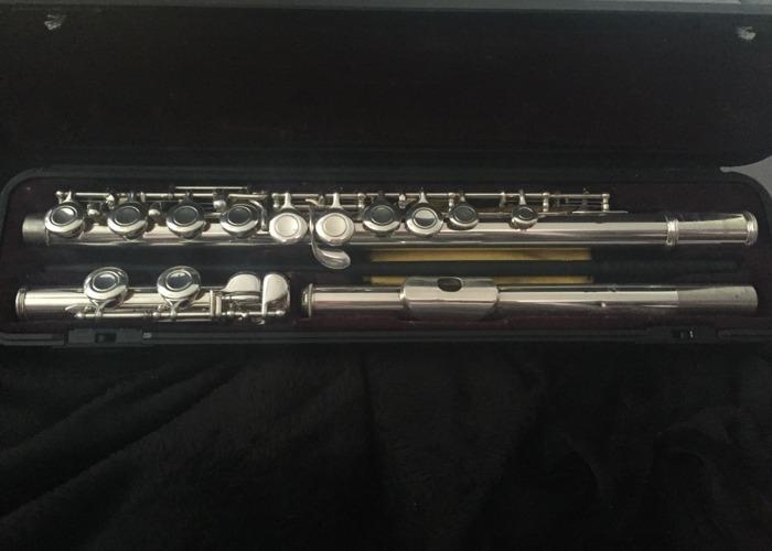 Yamaha Flute Version 211 - 1