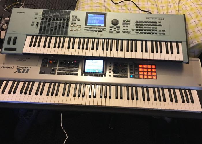 Yamaha Motif XS7 - 1