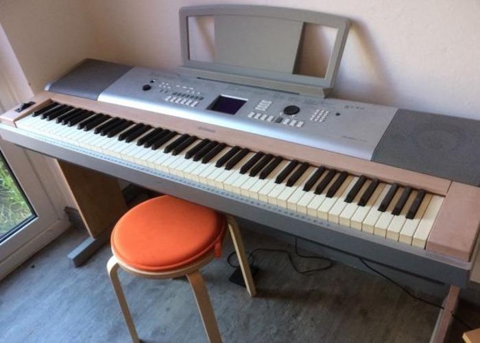 Yamaha Portable Grand Digital Piano Electronic Keyboard DGX- - 1
