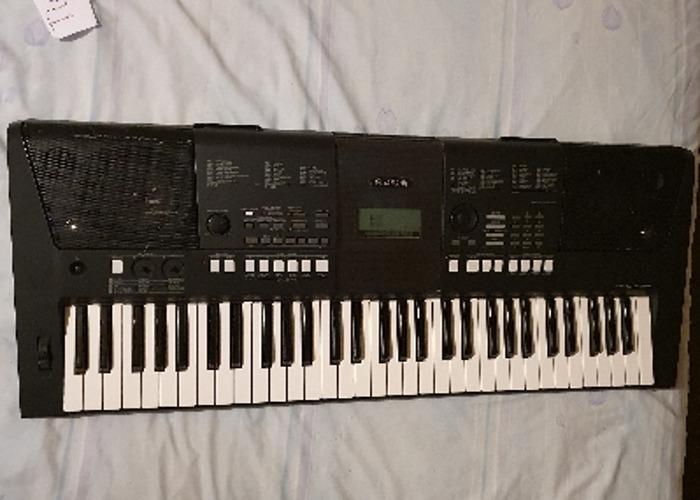 Yamaha PSR E423 - 1