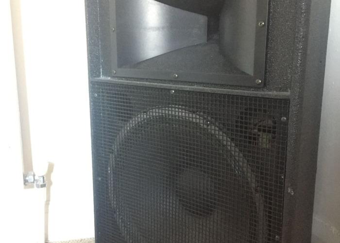 Yamaha Speakers + Mixer Zmx862 - 1