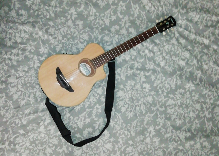 Yamaha travel guitar - 2
