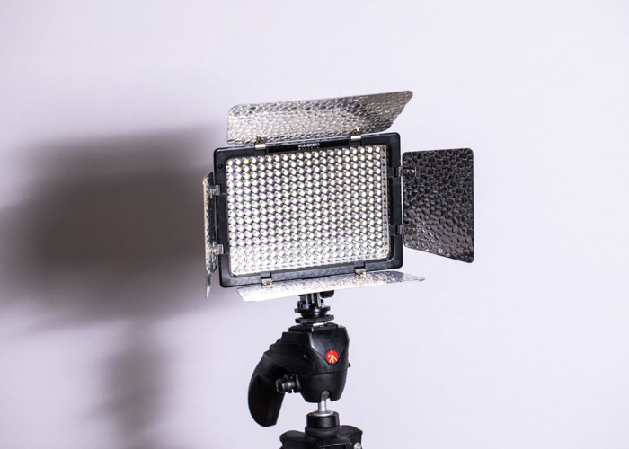 YONGNUO YN-300 III LED Camera Video Light 3200k-5500k - 1