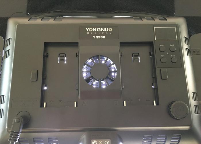 YONGNUO YN900 5500K light  - 2