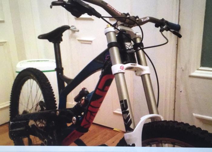 a3e63e0427e Rent YT Tues 2.0 Pro Bike (2014- Medium Size) in Glasgow | Fat Llama