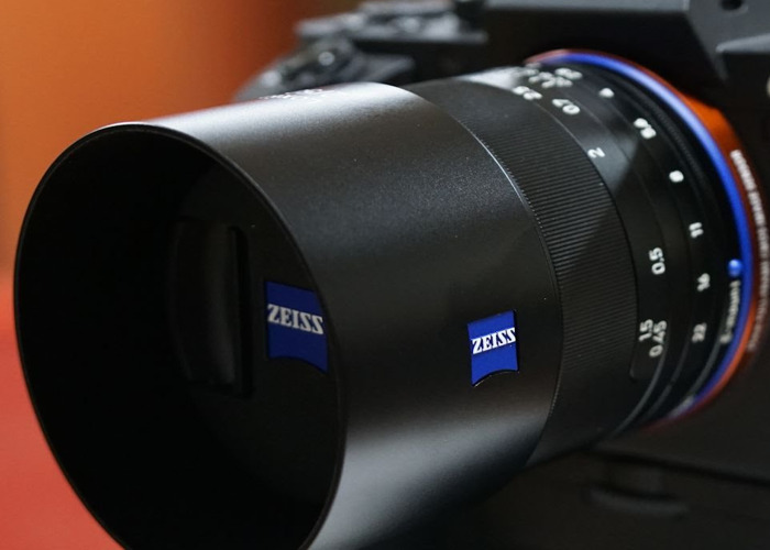 zeiss milvus-50mm-lens-30101051.jpg