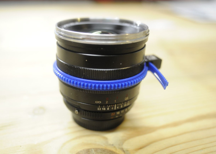 Zeiss Zf.2 25mm F2.0 - 2