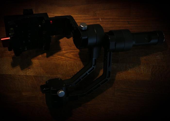 Zhiyun Crane V2 3-Axis Brushless Handheld Gimbal Stabilizer  - 2