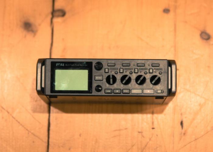 Zoom F4 - Field Recorder - 2