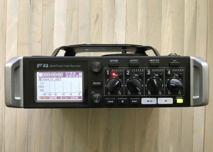 Rent Zoom F4 Multitrack Field Recorder - 6 Inputs / 8 Tracks in London