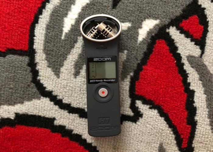 Zoom H1 Digital Voice Recorder - 1
