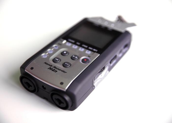 Zoom H4n Field Audio Recorder - 1