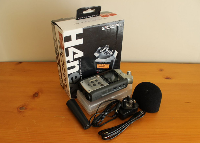 Rent Zoom H4n Handy Recorder In Woking Rent For 5 00 Day