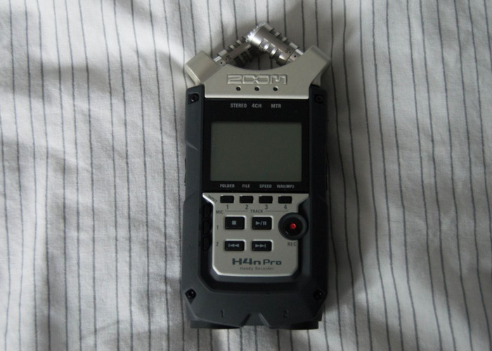 Zoom H4N Pro Handy Audio Recorder - 2
