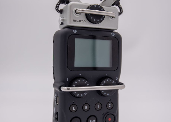 Zoom H5 Professional Grade Sound Recorder - 1