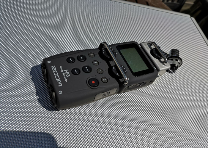 Zoom H5 Recorder + 2GB Card - 1