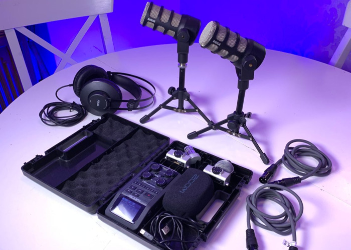 Zoom H6 2 x Microphone rode podcast interview set Recorder  - 1