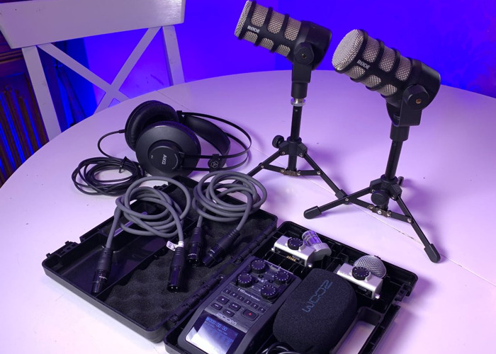 Zoom H6 2 x Microphone rode podcast interview set Recorder  - 2