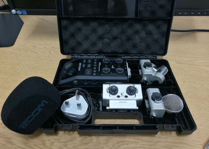 Zoom H6 Hand Recorder - 1