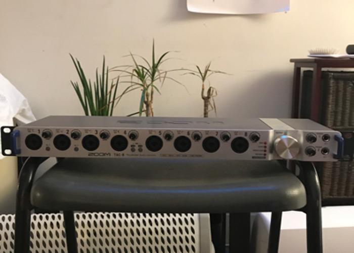 Zoom Tac-8 Thunderbolt Audio Recording Interface Soundcard - 1