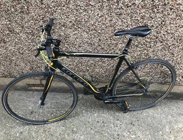 Rent Carrera Zelos Ltd Edition Road Bike in Enfield | Fat Llama
