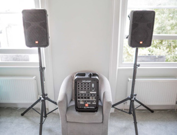 rent jbl portable pa system bluetooth speakers and microphone in london fat llama. Black Bedroom Furniture Sets. Home Design Ideas
