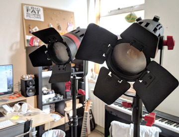 rent led lights came tv 55w 2 pieces light stands in london fat llama. Black Bedroom Furniture Sets. Home Design Ideas