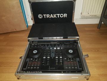 Rent Numark DM1002 MKII DJ Mixer in London | Fat Llama