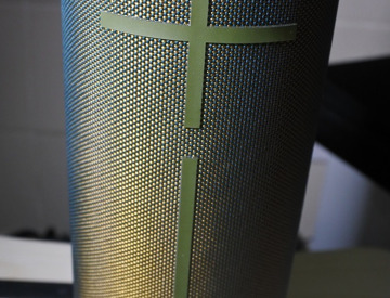 Rent Ultimate Ears MEGABOOM Bluetooth Wireless Speaker