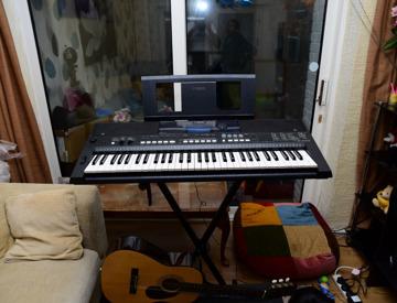 Rent Yamaha Keyboard PSR E433 in Hayes | Fat Llama